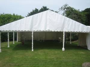 Lined awning with staright end